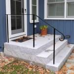 Simple railing on an island home